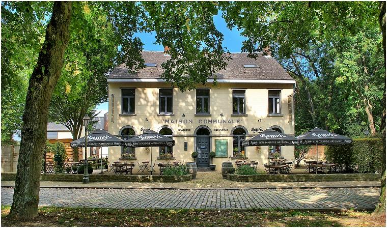 Place communale de Céroux-Mousty